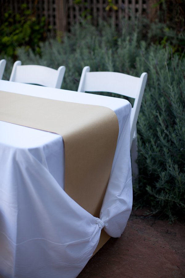 how to make a kraft paper table runner  u0026 tie a tablecloth knot