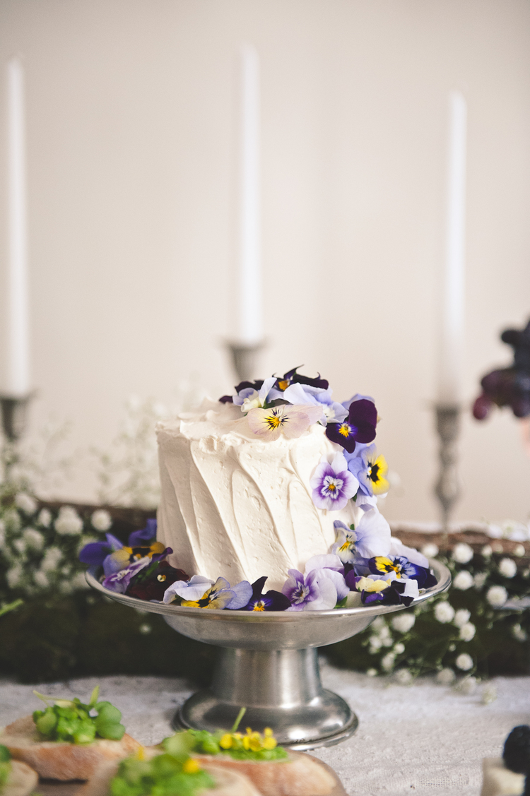 Small Wedding Cake Ideas | A Practical Wedding