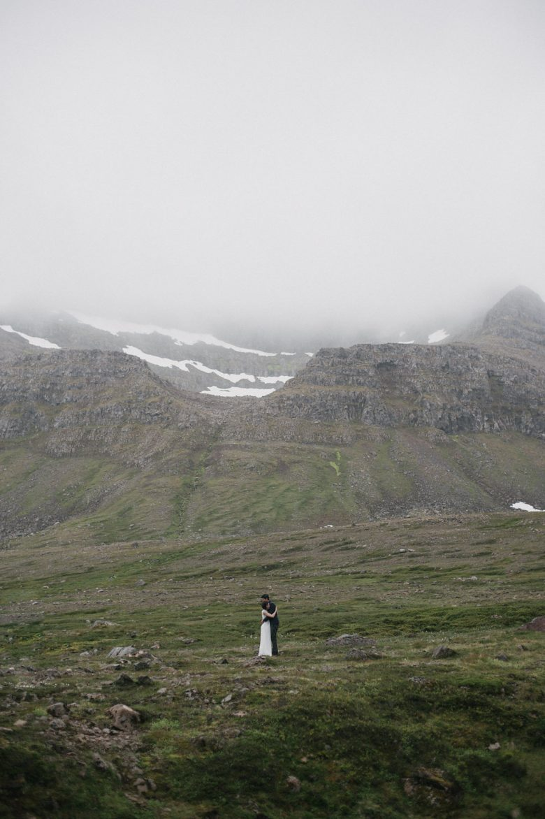 Iceland-Elopement-Photographer-08a