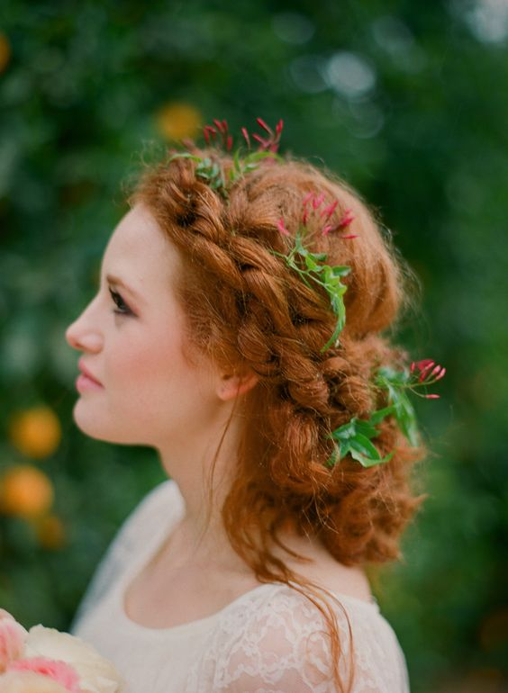26 Modern Curly Hairstyles That Will Slay On Your Wedding Day A Practical Wedding