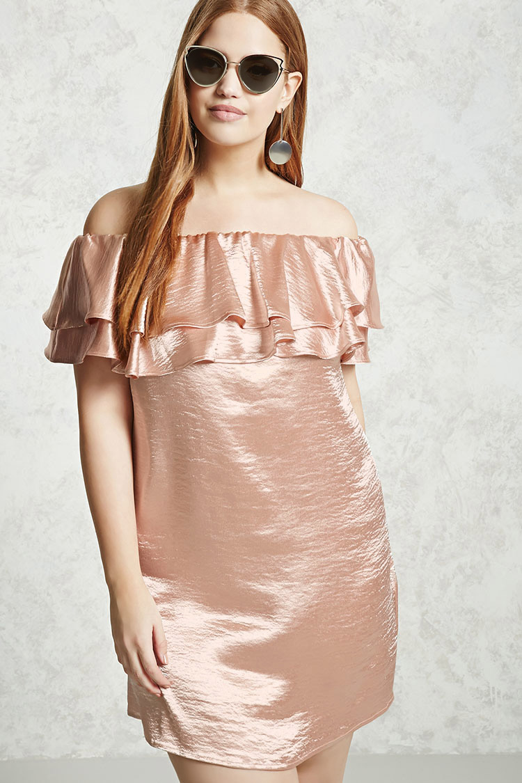 a601ecb372c9 This Plus Sized Off-the-Shoulder Dress comes pre-wrinkled