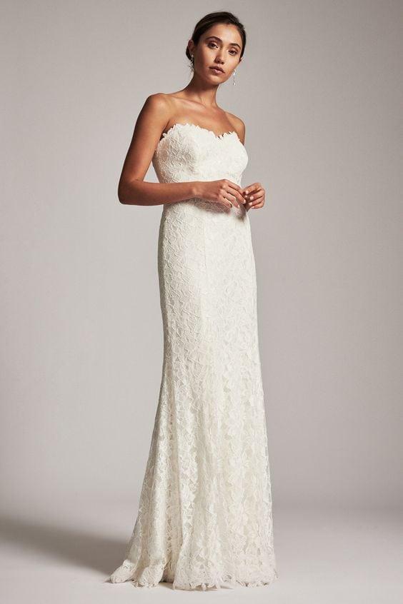 2d2395505c2 Gwyneth Gown via Tadashi Shoji ( 678 currently on sale for  406.80)