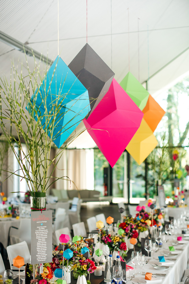 Origami shapes as the centerpiece objects