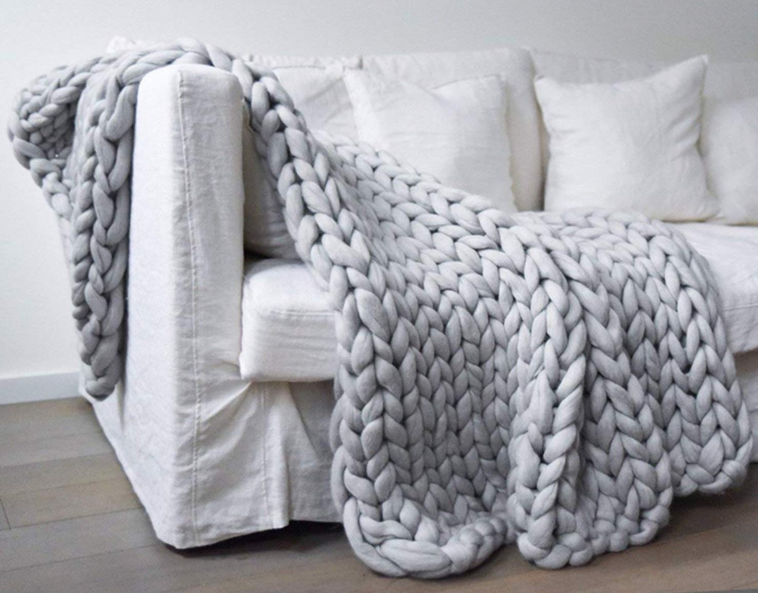 A chunky knit throw blanket